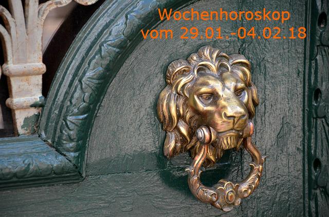 doorknocker-1824584_640